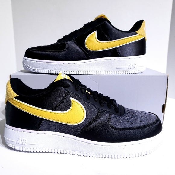 Nike Air Force 1 07 SE W shoes black yellow